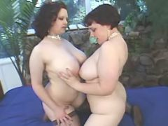 Lesbian plump chicks relax in bed